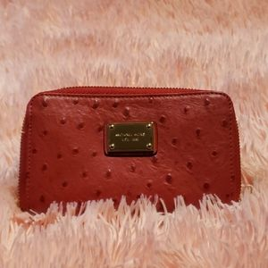 Micheal Kors- Red wallet